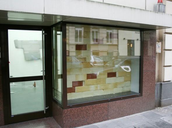 Wärme halten, 2009, PU foam, clay, 163 x 199 x 12 cm