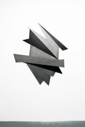 Fragment V, 2013, wood, neon lacquer, graphite, 135,5 x 120 x 2 cm