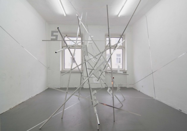Endless Space, 2011, aluminum, wood, lacquer, tape, 295 x 400 x 480 cm (variable)