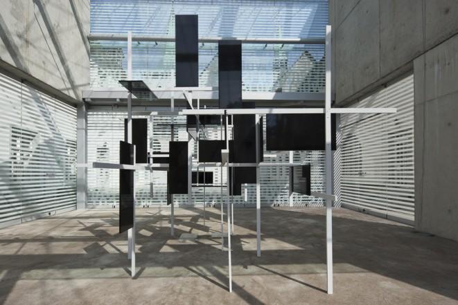 Zwischen den Sternen, 2006-2010, wood, lacquer, acrylic, 270 x 380 x 310 cm