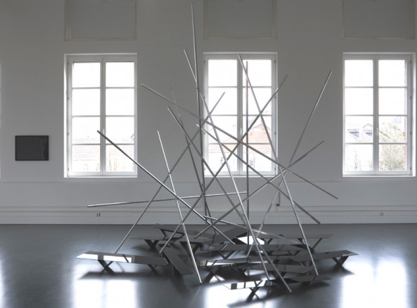 Valdrada, 2011, Glass, aluminium, wood, laquer 320 x 340 x 400 cm (variabel)